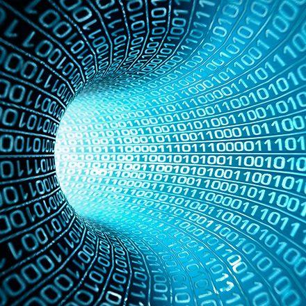 Sistemas Web.<br /> Sistemas empresariales.<br /> Sistemas de registro para eventos.<br /> Desarrollo de Apps.<br /> Sistemas de control digital.</p> <p>